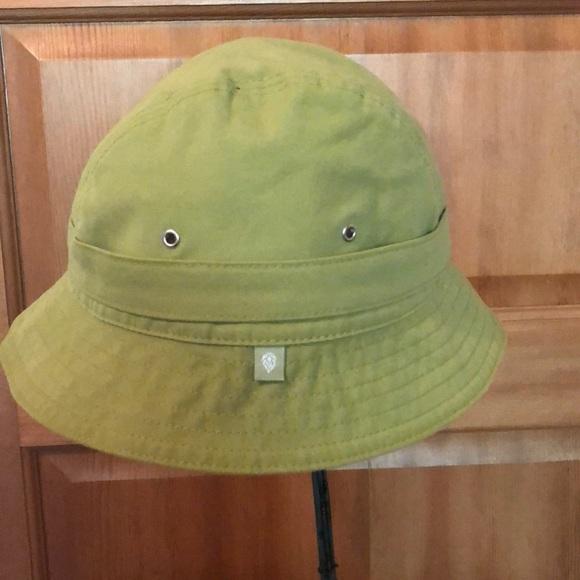 658674e6098 Helen Kaminski Accessories - Helen Kaminski cotton bucket hat